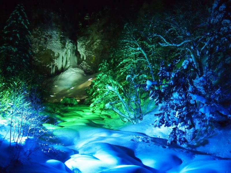 平湯大滝結氷祭りのご案内。